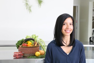 Deanne Wiseman is the Registered Dietitian who reviews all Dashing Dishes meal kits for their overall nutritional value